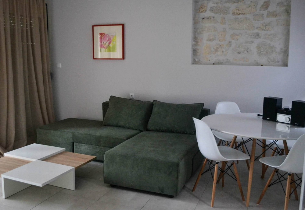 Δίκλινο Διαμέρισμα 15